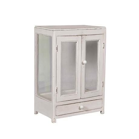 Sött väggskåp med glas både på dörrar och  sidor.