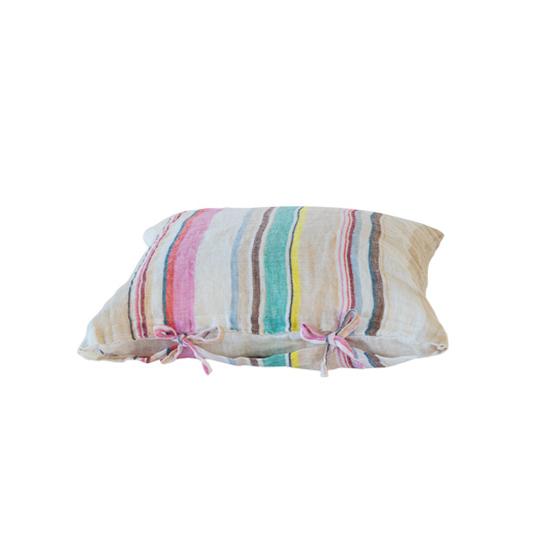 IBIZA kuddfodral  är en härlig kudde med knyt som är stentvättat för att ge en mjuk känsla. Ta hand om den med kärlek.
